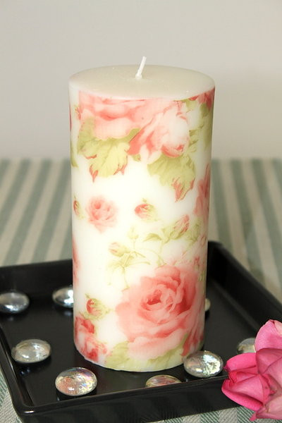 Duftkerze Rosendekor im Organzabeutel