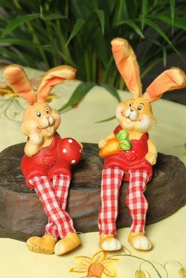 2er Set fröhliche Osterhasen Schlenkerbeine aus Ton