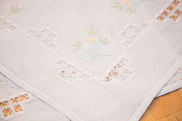 Handarbeit Tischset kleines Deckchen Blümchen mit Hardanger